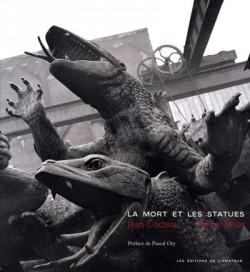 La mort et les statues