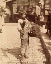 Marchand d'herbes, place Saint Médard, 1898 (c) BnF