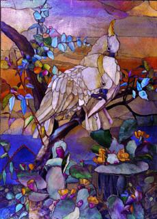 Louis C. Tiffany. Panneau de mosaïque aux cacatoès à huppe jaune, 1916