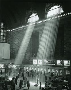 brassai-grand-central-station-new-york-1957-651x0-2.jpg